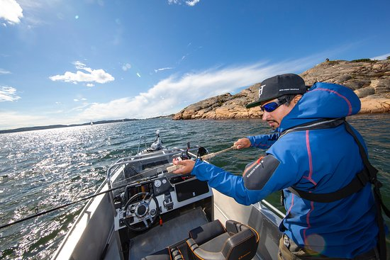 We use the boat to cover a lot nice fishing sport during each day