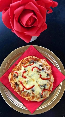 Chaidari, กรีซ: MAMMA's pizza for brunch