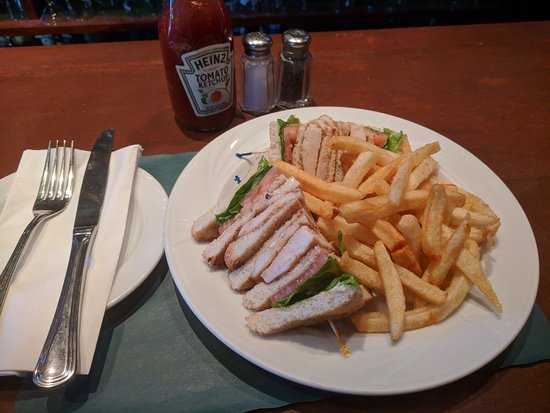 Bronxville, NY: The chicken club