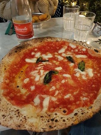 L'Antica Pizzeria da Michele: margherita