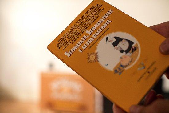 Sfogliate & Sfogliatelle: Viviani è innanzitutto Casa Editrice. In negozio potrete acquistare volumi su Napoli