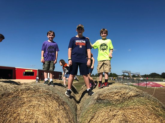 Hondo, TX: Climbing the big round bales