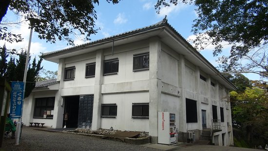 Kururijo Castle Kururijo Castle Site Archives: 資料館全景