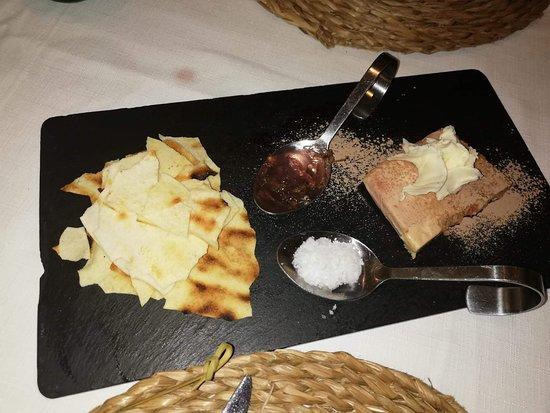 Sant Feliu de Buixalleu, Spanje: Un foie exquisidament acompanyat
