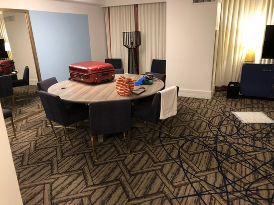 Kimpton Hotel Palomar Washington DC: Giant table in our room. Why tho?