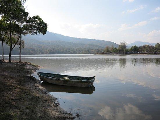 Don Kaeo, Thailand: 湖邊一隅