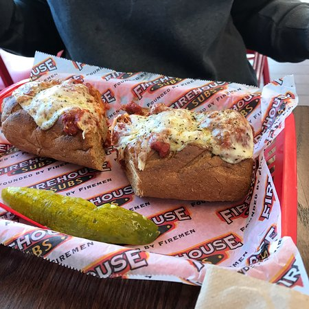North Syracuse, État de New York : Firehouse Subs