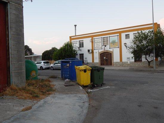 El Real de la Jara, إسبانيا: Zicht op hotel in werkelijkheid
