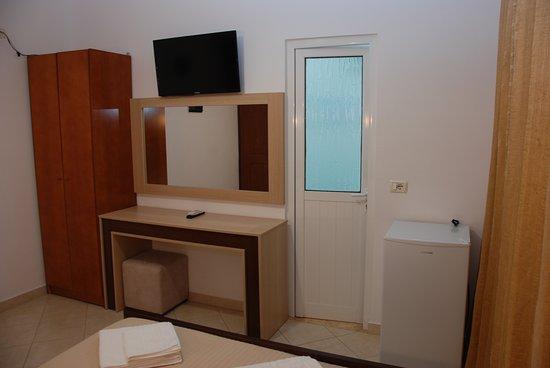 Hotel Mano Photo