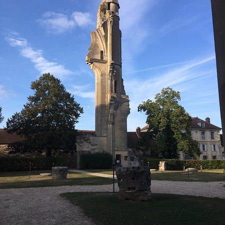 Asnières-sur-Oise  Photo