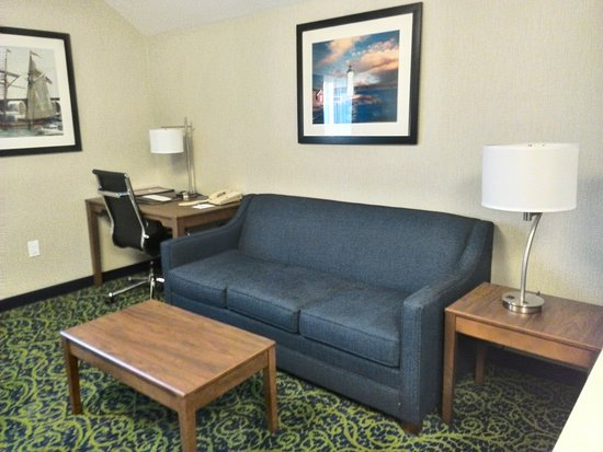 Best Western Plus Portsmouth Hotel & Suites: Sitting area
