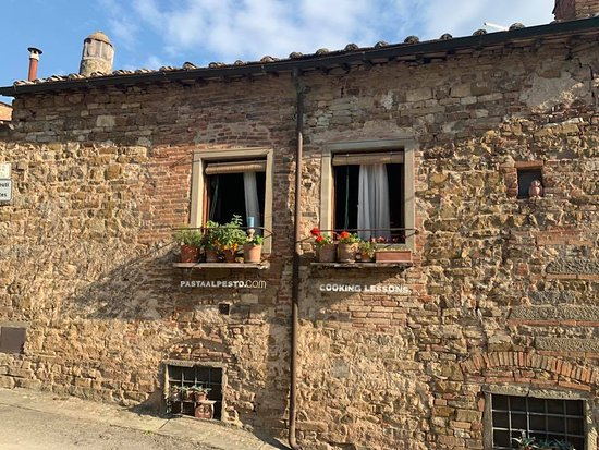 Montefioralle, Italie : House where the cooking class takes place.