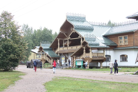 Verkhniye Mandrogi, Russland: balade