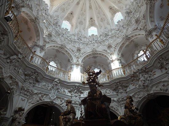 Church of La Asuncion: espectacular arte barroco