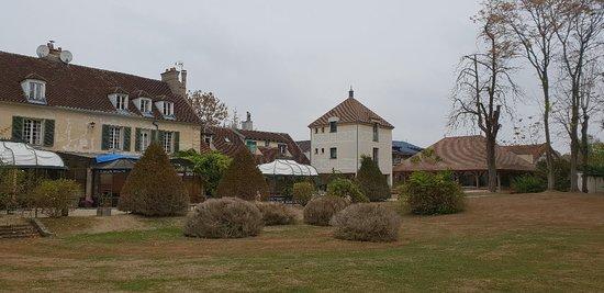 Varennes-Jarcy, Francia: 20181028_101011_large.jpg