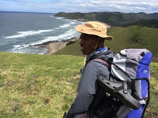 Active Escapes - Day Tours: On the way to Ntafufu