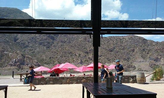 Argentina Rafting Expeditions : vista del restaurante