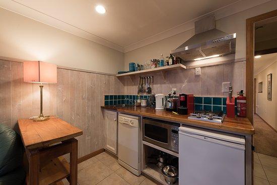 Tui 1 Bedroom Studio Apartment - Kitchenette for self ...