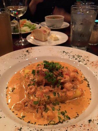 Gallo's Kitchen & Bar: Absolutely fantastic pan seared tilefish!