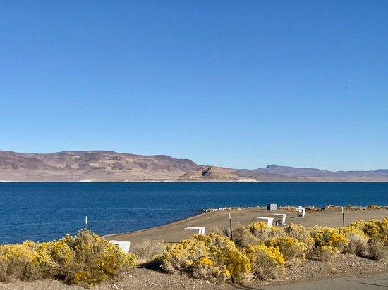 Pyramid Lake Photo