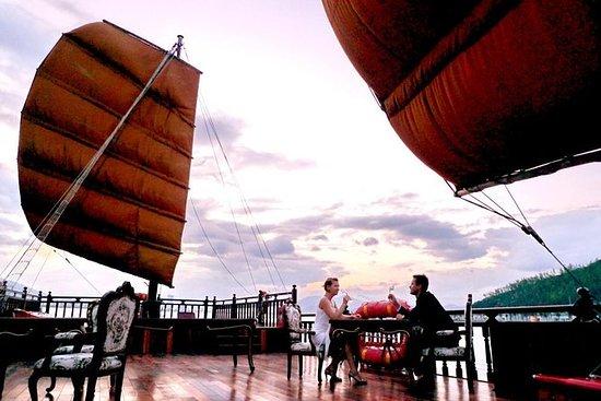 Cóctel al atardecer y cena en Emperor Cruise: el hotel de 5 estrellas más lujoso y todo incluido: Sunset Cocktail and Dinner on Emperor Cruise - The most luxurious 5 star and all inclusive