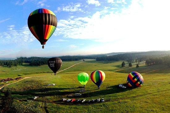 Paseo en globo aerostático de Black...