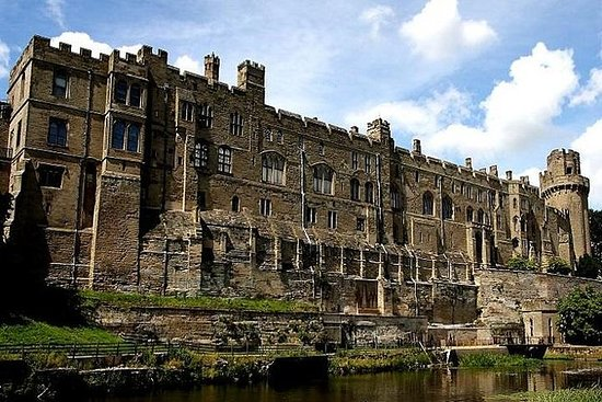 全日沃里克城堡和埃文河畔斯特拉特福德从伯恩茅斯出发