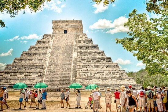 Full-Day Guided Tour of Chichen Itza...