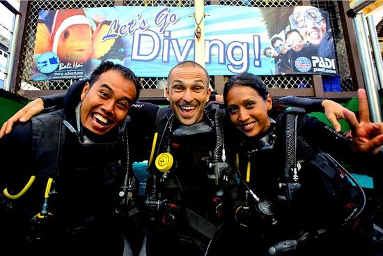 Beginner Diving Experience in Nusa...