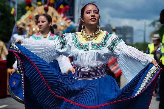 Otavalo、Cuicocha LakeとCayambeキトからの共有日帰…