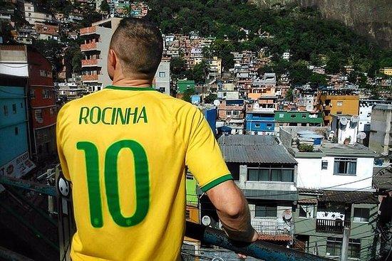 Excursão pela favela da Rocinha, no...