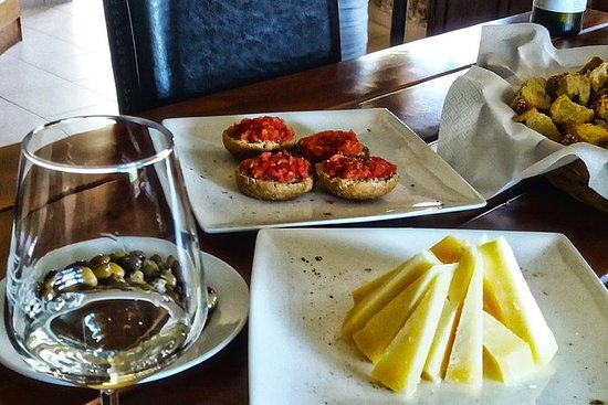 The Gourmet Wine Tour of Heraklion