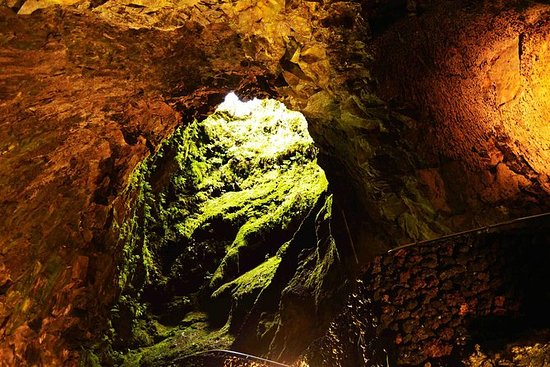 4-Hour Terceira Caving Adventure