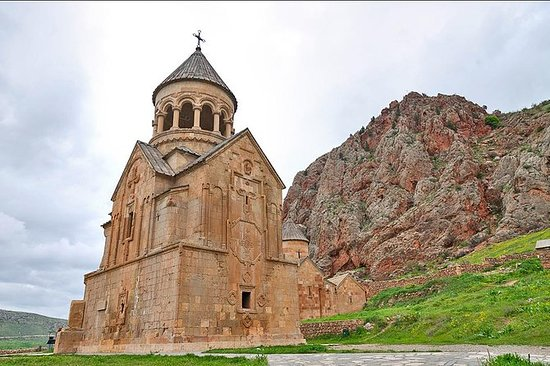 Khor Virap, Noravank and Areni Winery...