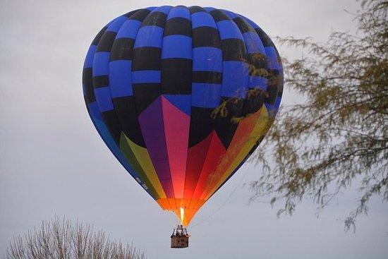 Paseo del globo del aire caliente del...