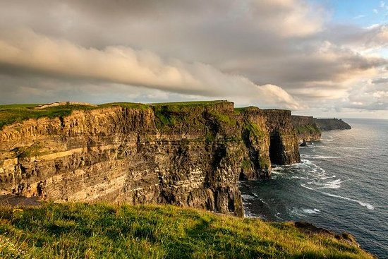 Cliffs of Moher and Doolin Day Trip...