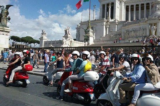 Panorama tur med Roma med Vespa og...