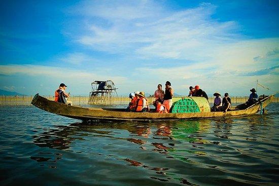 Zonsondergang bij Tam Giang-lagune in ...