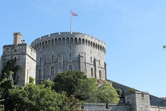 Full Day Tour to Windsor and...