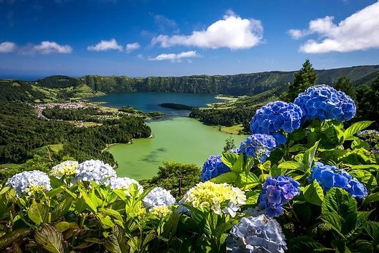 Walking tour to Sete Cidades with...