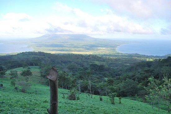 Subida al volcán Maderas Ometepe...