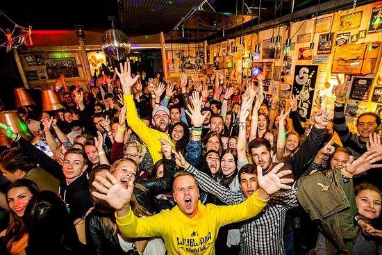 Pub crawl Ljubljana Vita notturna