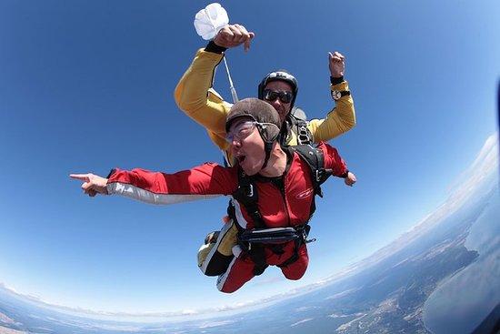 15000ft Tandem Skydiving von Rotorua