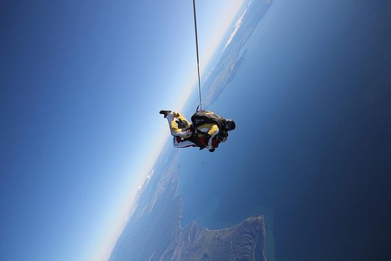 12.000 ft. Tandem Skydiving von ...