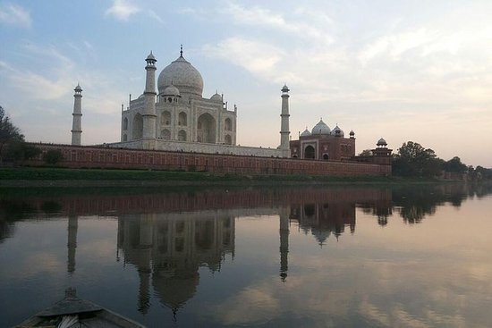 Day Tour To Taj Mahal With Boat Ride...
