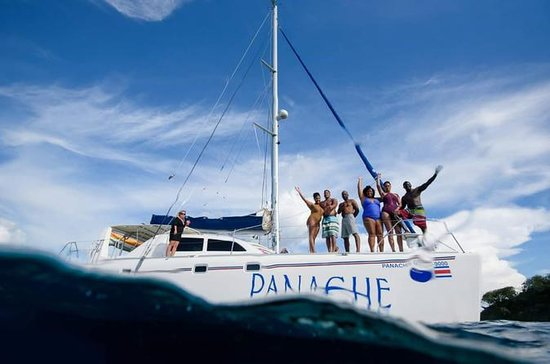 Panache Sailing: Excursión en catamarán por la mañana en Playa Flamingo de Costa Rica: Panache Sailing - Morning Catamaran  Sailing Tour at Flamingo Beach Costa Rica