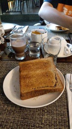 Crown Victoria Hotel: Restaurant breakfast