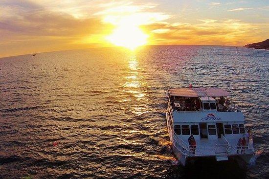 Jantar ao pôr do sol no Cabo Mar