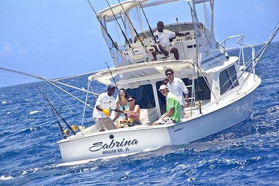Pesca deportiva en el mar profundo...