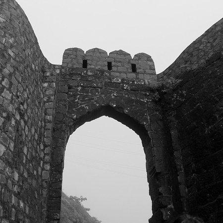 Sinhagad Fort Photo